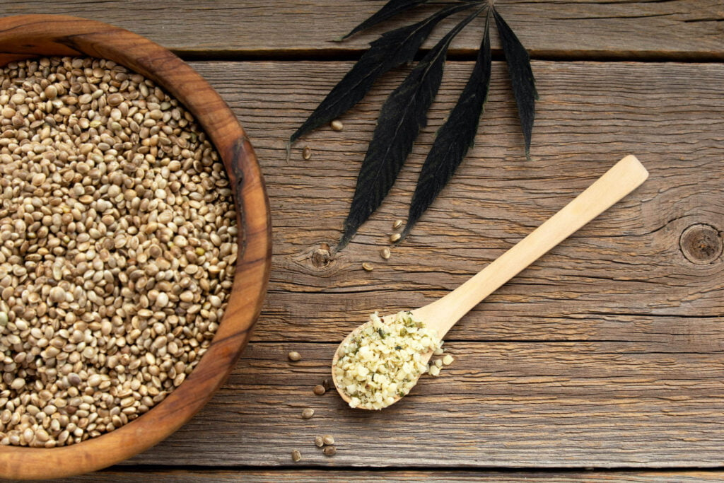 seminte de canepa beneficii decorticate